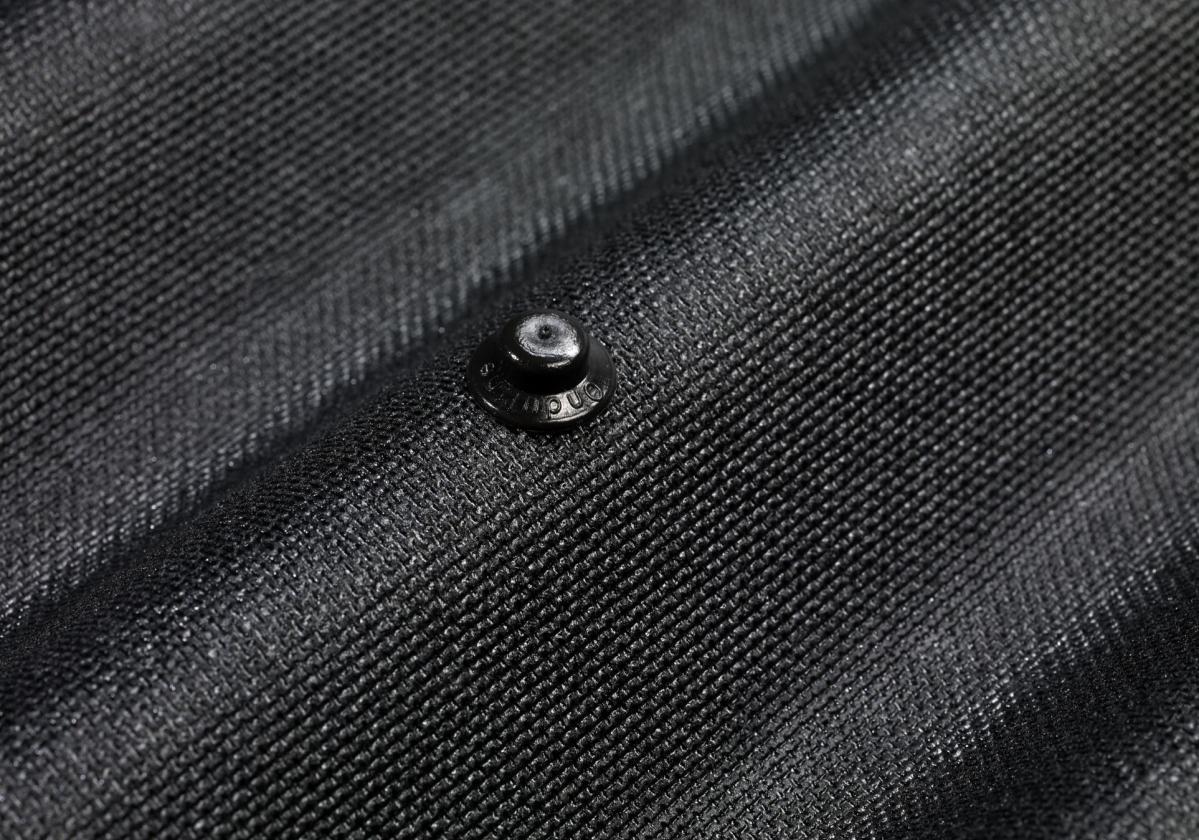 Close up Onduline Easyline Intense Black with screw