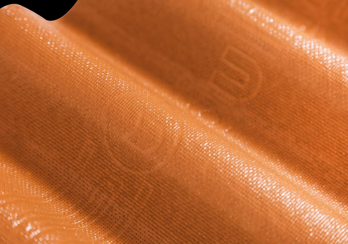 Onduline Easyline Intense ceramic close up